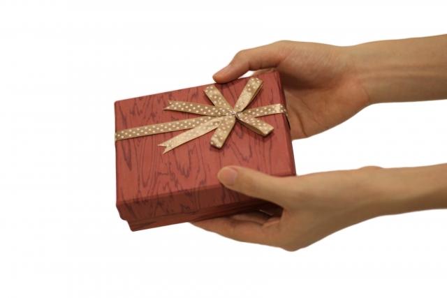 プレゼント手渡し