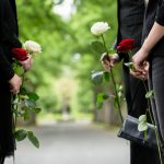 故人の預金から葬式代を 引き出したらダメなの? 〜遺産相続以外のお金の手続き 〜